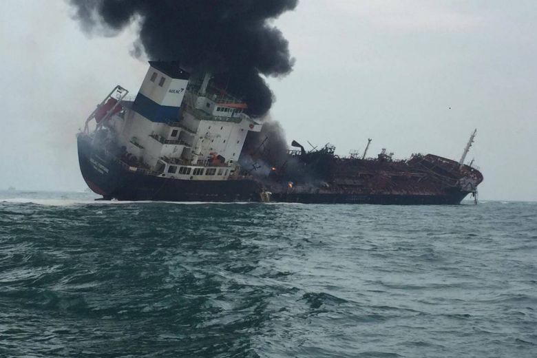 https: img-z.okeinfo.net content 2019 01 08 18 2001495 kapal-tanker-terbakar-di-perairan-hong-kong-sedikitnya-satu-orang-tewas-TDnTmup8R9.jpg