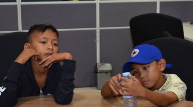 https: img-z.okeinfo.net content 2019 01 08 196 2001659 kisah-bocah-korban-tsunami-lampung-tertimbun-puing-bangunan-selama-6-jam-xw2X7djUAO.jpg