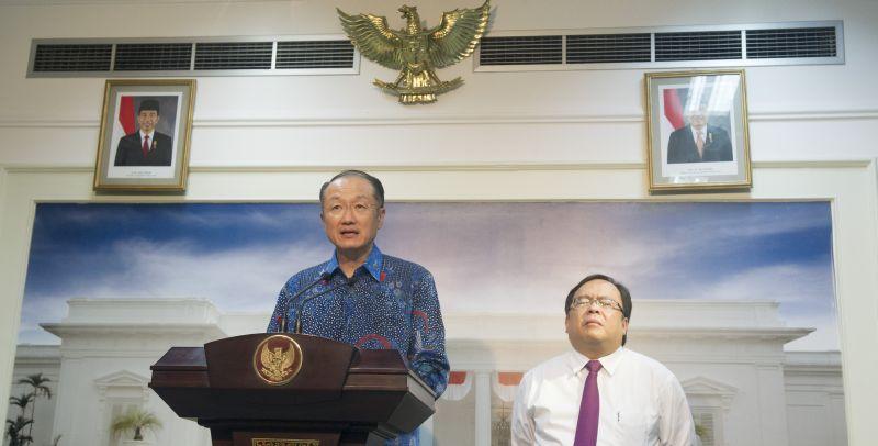 https: img-z.okeinfo.net content 2019 01 08 20 2001368 kenangan-bos-bank-dunia-jim-yong-kim-di-indonesia-kU7nLSMHGw.jpg