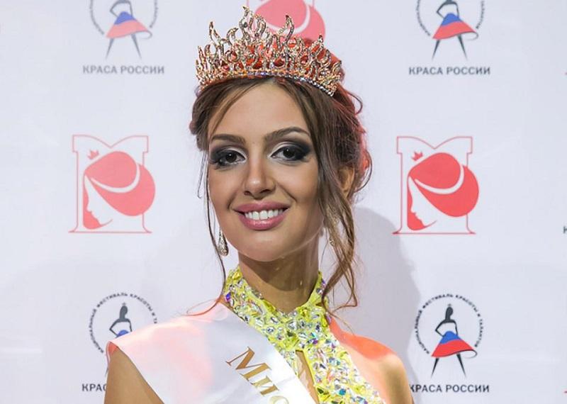 https: img-z.okeinfo.net content 2019 01 09 196 2002064 istri-sultan-muhammad-v-oksana-voevodina-dikabarkan-hamil-U1EsjTrt5J.jpg