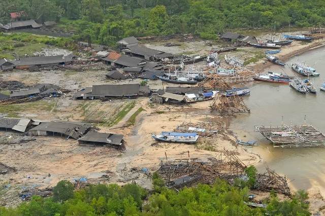 https: img-z.okeinfo.net content 2019 01 09 340 2002261 kpu-31-pemilih-jadi-korban-meninggal-tsunami-selat-sunda-Rj9oEPYUal.jpg