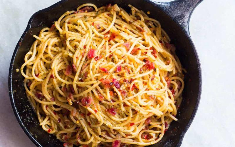https: img-z.okeinfo.net content 2019 01 11 298 2002986 hot-spaghetti-aglio-olio-chicken-untuk-makan-siang-96I9mv7ilT.jpg