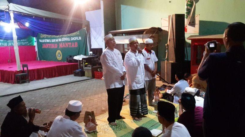 https: img-z.okeinfo.net content 2019 01 11 606 2002947 caleg-perindo-adakan-istigosah-doakan-kemenangan-partai-dan-keamanan-indonesia-0g4TRm1G03.jpg