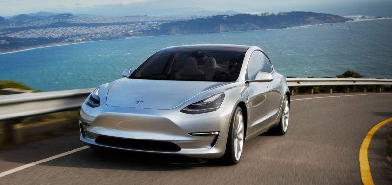 https: img-z.okeinfo.net content 2019 01 12 15 2003503 bos-mobil-listrik-pastikan-2020-tesla-roadster-bisa-terbang-WpZIYvqpU0.jpg