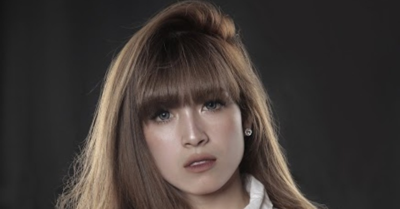 https: img-z.okeinfo.net content 2019 01 12 205 2003416 pramugari-cantik-yulianti-palinggi-siap-eksis-dengan-cinta-uka-uka-wJTSz3JINn.jpg
