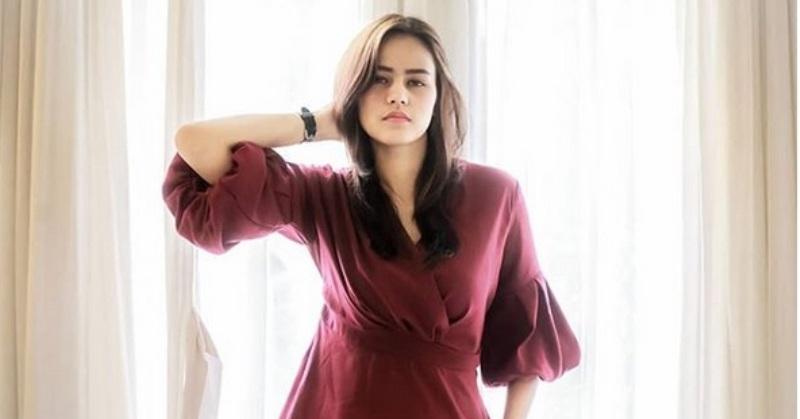 https: img-z.okeinfo.net content 2019 01 12 33 2003407 yayasan-puteri-indonesia-buka-suara-2-finalisnya-terseret-prostitusi-online-V1q6QswLRb.jpg