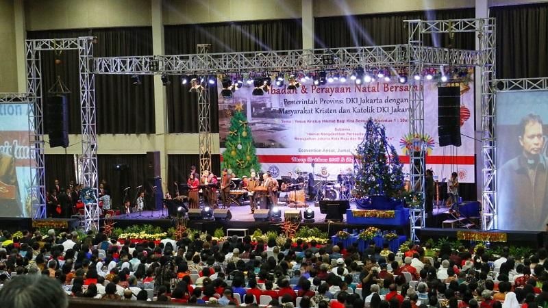 https: img-z.okeinfo.net content 2019 01 12 338 2003390 hadiri-perayaan-natal-bersama-anies-persatuan-umat-beragama-harus-selalu-dijunjung-tinggi-1VJ2YONn6X.jpg