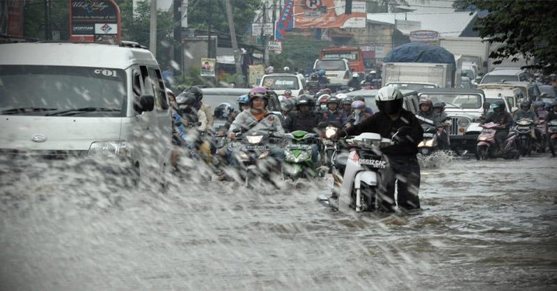 https: img-z.okeinfo.net content 2019 01 14 525 2004173 kabupaten-bandung-kebanjiran-3-ruas-jalan-terputus-DnuUYhKkQi.jpg