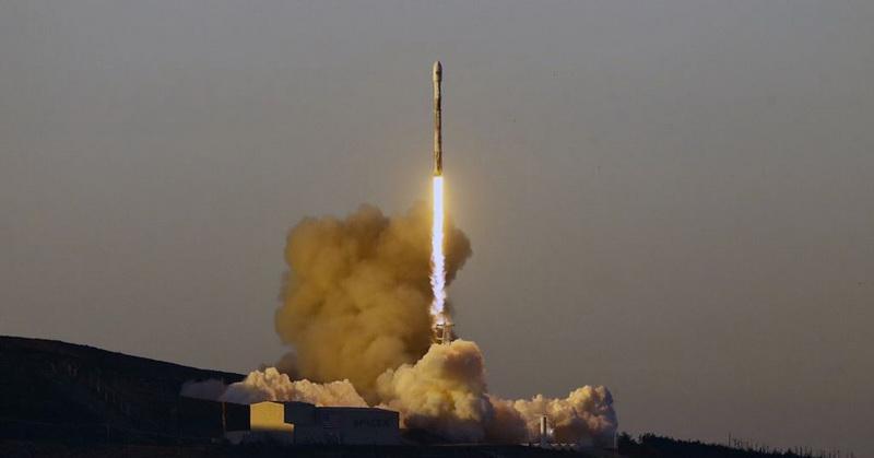 https: img-z.okeinfo.net content 2019 01 14 56 2004340 spacex-luncurkan-10-satelit-komunikasi-iridium-f1hegsdtza.jpg