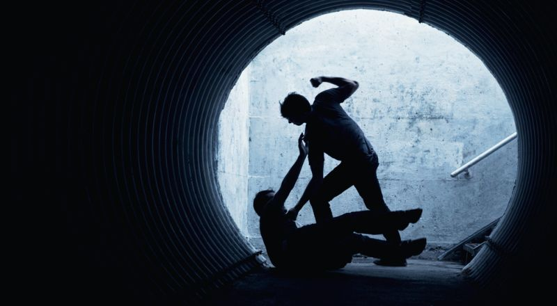 https: img-z.okeinfo.net content 2019 01 15 340 2004717 pengedar-narkoba-keroyok-seorang-polisi-di-riau-brJcxjQNVC.jpg