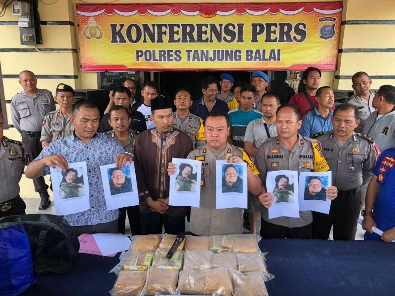 https: img-z.okeinfo.net content 2019 01 16 608 2005168 polisi-tembak-mati-2-anggota-sindikat-narkoba-jaringan-malaysia-15-kg-sabu-diamankan-AYkqXO2Drp.jpg