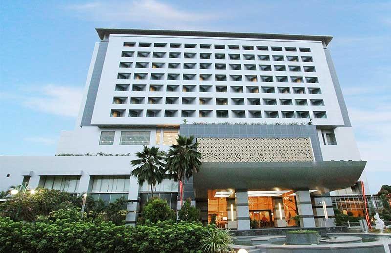 https: img-z.okeinfo.net content 2019 01 17 196 2005855 menurut-feng-shui-benarkah-hotel-bidakara-angker-zp6UYsJjTX.jpg