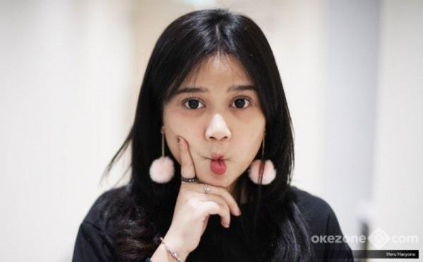 https: img-z.okeinfo.net content 2019 01 17 205 2005640 honor-sekali-manggung-rp40-juta-brisia-jodie-raisa-versi-murah-6hhJu9chl3.jpg