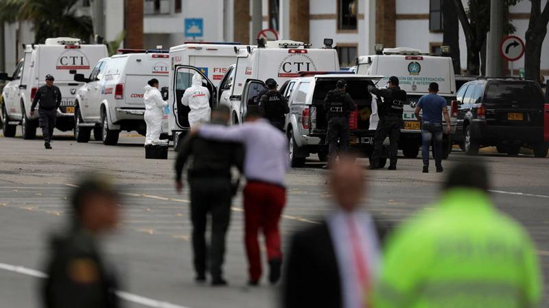 https: img-z.okeinfo.net content 2019 01 18 18 2006127 serangan-bom-mobil-di-ibu-kota-kolombia-tewaskan-10-orang-luka-puluhan-lainnya-oQe6b4xZvj.jpg