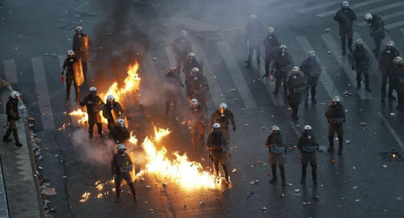 https: img-z.okeinfo.net content 2019 01 21 18 2007388 aksi-protes-yunani-atas-penamaan-makedonia-diwarnai-kekerasan-5eKUTiF4MG.jpg
