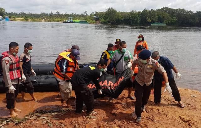 https: img-z.okeinfo.net content 2019 01 22 340 2007887 12-korban-kapal-tenggelam-di-sungai-kapuas-ditemukan-tewas-WqIucRLYds.jpg