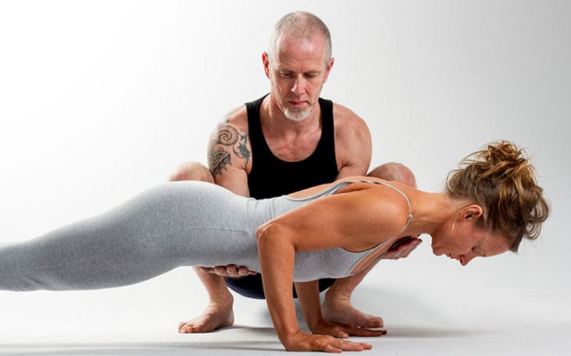 https: img-z.okeinfo.net content 2019 01 22 481 2007962 yoga-atasi-nyeri-tulang-belakang-ini-gerakan-yang-tepat-TtBfQZvkls.jpg