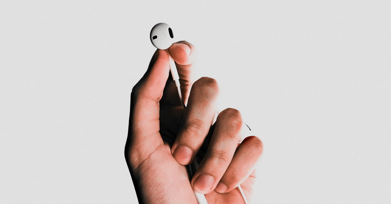 https: img-z.okeinfo.net content 2019 01 25 92 2009438 5-cara-membersihkan-earphone-yang-perlu-anda-ketahui-HoMoVa7Bqf.jpg
