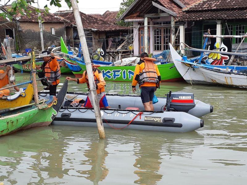 https: img-z.okeinfo.net content 2019 01 26 512 2009802 cuaca-buruk-nelayan-hilang-terlempar-ke-tengah-laut-YEDdkOo6P6.jpg