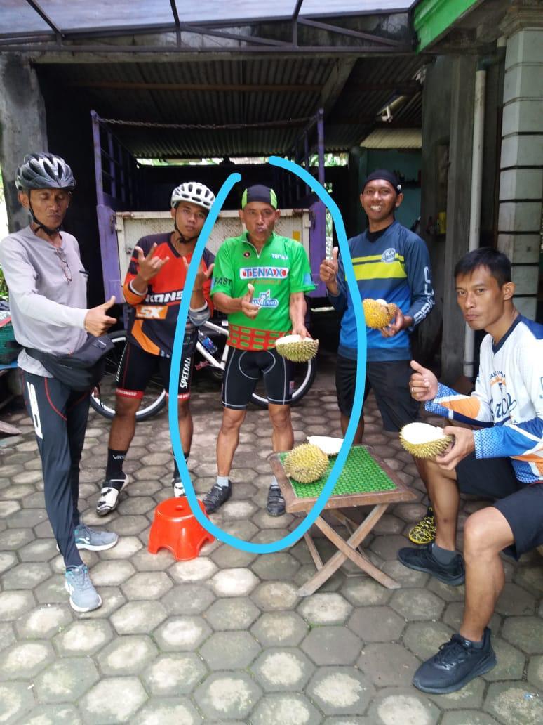 https: img-z.okeinfo.net content 2019 01 28 481 2010628 penyebab-kematian-pegowes-yang-santap-durian-usai-olahraga-SmgSqQ9QrU.jpeg
