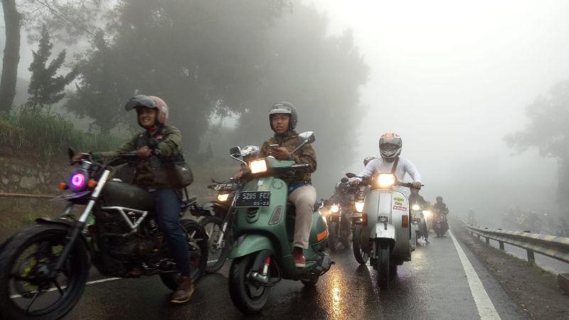 https: img-z.okeinfo.net content 2019 01 29 15 2010833 angka-kecelakaan-tinggi-1-000-bikers-milenial-tanamkan-road-safety-di-jalan-raya-6pYIpRARiv.jpg