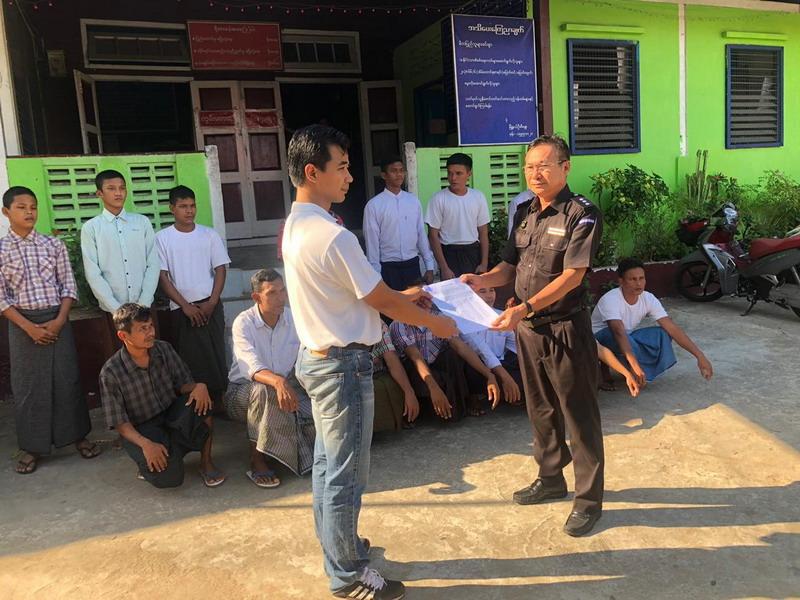 https: img-z.okeinfo.net content 2019 01 30 18 2011548 kemlu-ri-pulangkan-14-abk-wni-yang-ditahan-di-myanmar-TRtPUZhMzG.jpg