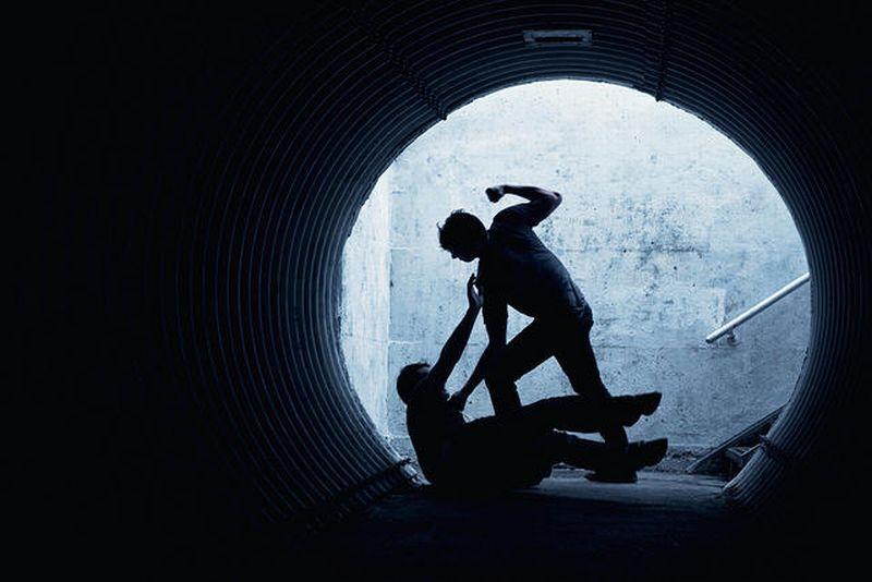 https: img-z.okeinfo.net content 2019 02 01 244 2012333 aniaya-satpam-dolar-dihukum-4-bulan-penjara-YGHF9SySEl.jpg