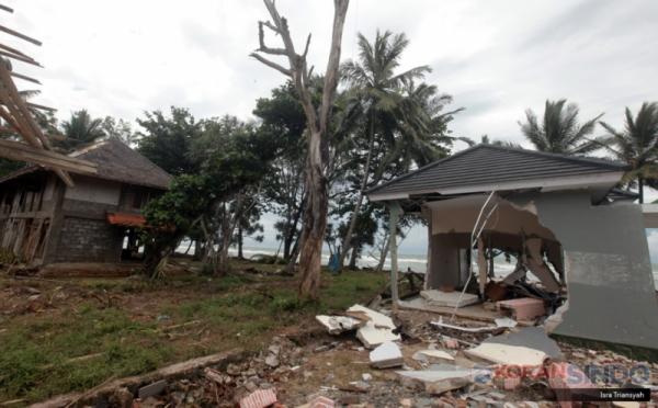 https: img-z.okeinfo.net content 2019 02 01 320 2012494 ada-ikan-makan-korban-tsunami-kkp-itu-berita-bohong-nV5lF43Zh6.jpg