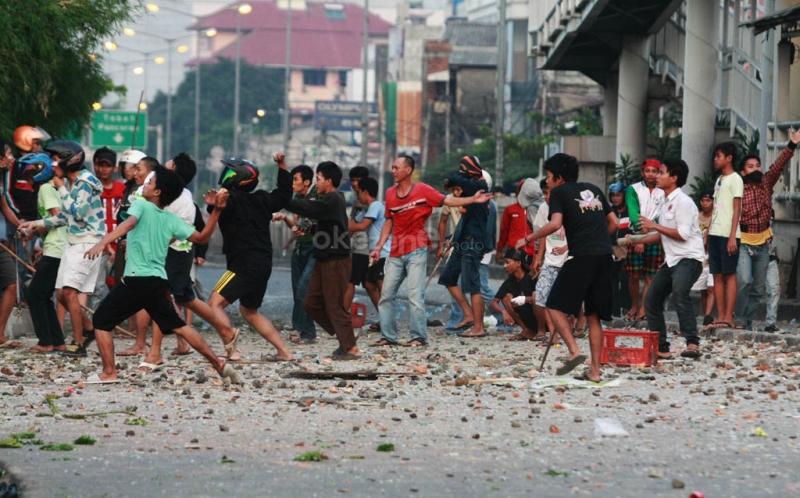 https: img-z.okeinfo.net content 2019 02 02 512 2012750 terlibat-tawuran-seorang-pelajar-smk-tewas-dibacok-B1ssbpFkjp.jpg