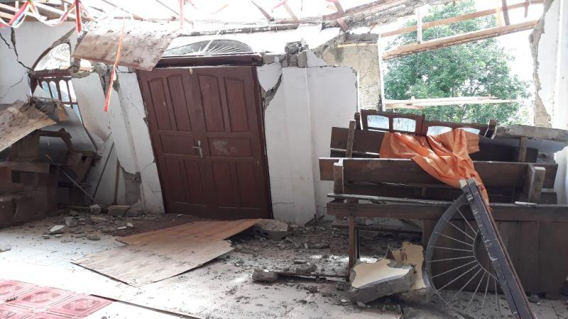 https: img-z.okeinfo.net content 2019 02 04 340 2013519 15-rumah-gereja-dan-sekolah-rusak-akibat-gempa-mentawai-HUkmxunoc2.jpg