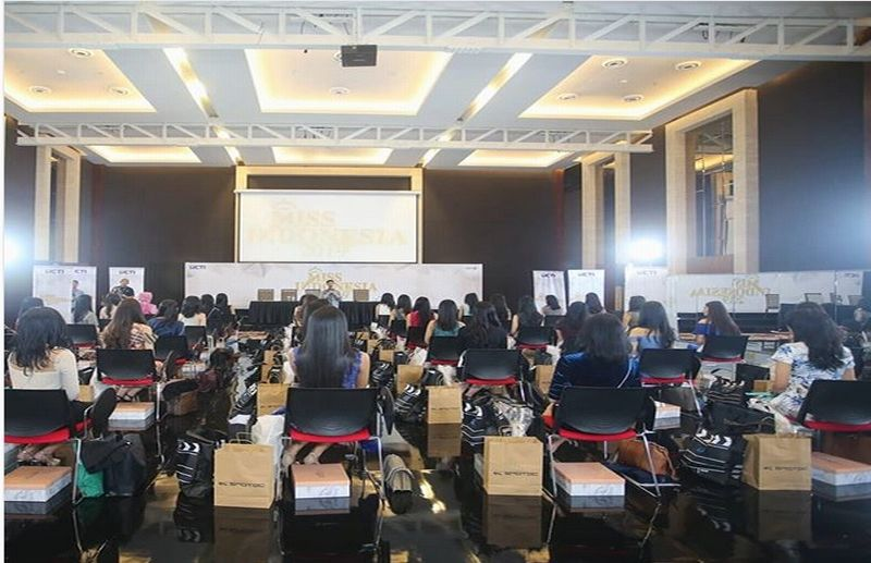 https: img-z.okeinfo.net content 2019 02 06 194 2014364 finalis-miss-indonesia-2019-banyak-calon-dokter-DAtvVp8N7a.jpg
