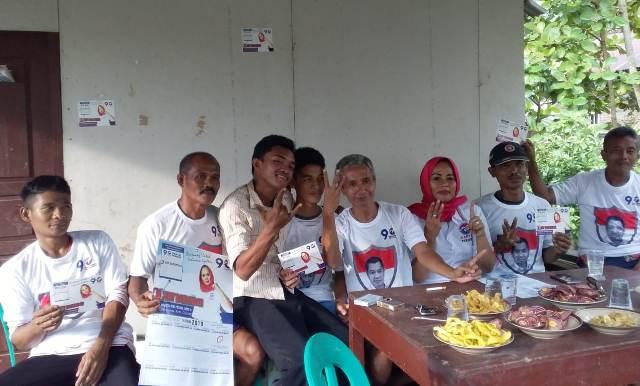 https: img-z.okeinfo.net content 2019 02 11 606 2016335 caleg-perindo-eny-barlindah-blusukan-cari-bibit-atlet-sepakbola-U3OGczLO8d.jpeg