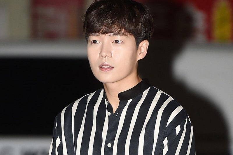 https: img-z.okeinfo.net content 2019 02 12 194 2017065 5-tampilan-son-seung-won-aktor-ganteng-k-drama-yang-terjerat-kasus-hukum-TbH9dspmtq.jpeg