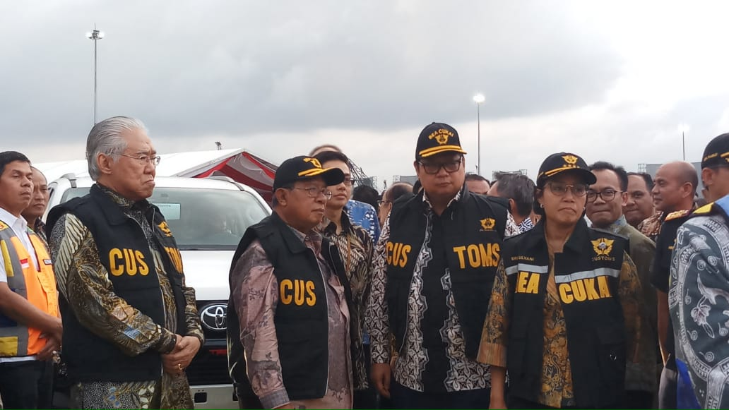 https: img-z.okeinfo.net content 2019 02 12 320 2017058 mimpi-sri-mulyani-indonesia-jadi-eksportir-kendaraan-terbesar-ke-12-di-dunia-GETRoFUng4.jpg