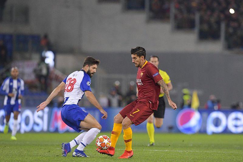 https: img-z.okeinfo.net content 2019 02 13 261 2017137 as-roma-vs-fc-porto-nihil-gol-di-babak-pertama-SALTpT34dv.jpg