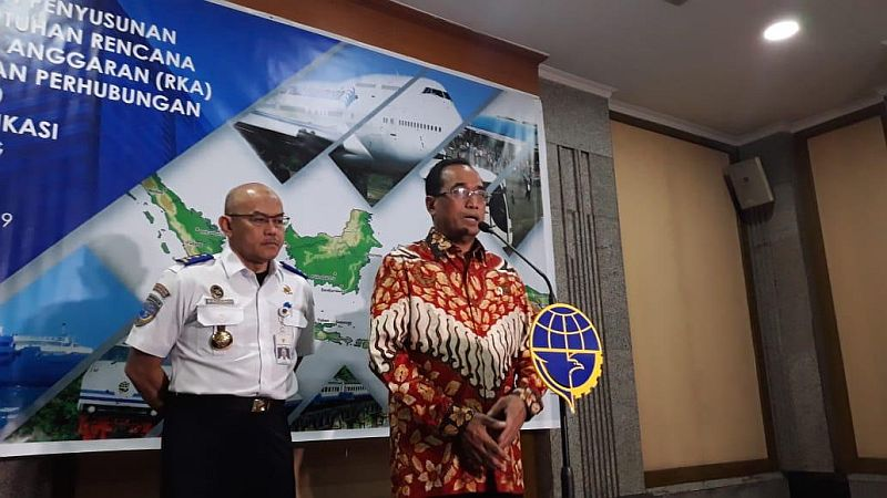 https: img-z.okeinfo.net content 2019 02 13 320 2017249 menhub-mrt-jadi-bukti-indonesia-tidak-kalah-dengan-singapura-oBoS7YurjE.jpg