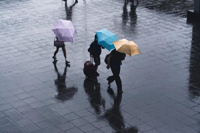 https: img-z.okeinfo.net content 2019 02 13 338 2017143 hujan-diprediksi-guyur-jakarta-di-siang-hari-cCrnTflVlI.jpg