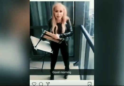 https: img-z.okeinfo.net content 2019 02 14 18 2017992 video-gadis-lempar-kursi-dari-lantai-45-apartemen-jadi-viral-pelakunya-ditangkap-vQcFMn6bxQ.jpg