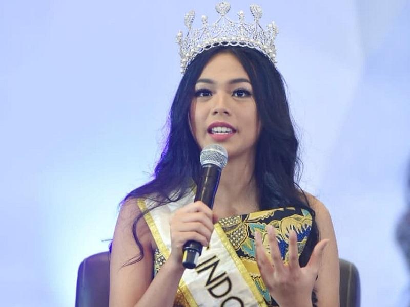 https: img-z.okeinfo.net content 2019 02 15 194 2018658 lepas-mahkota-begini-pesan-alya-nurshabrina-untuk-miss-indonesia-2019-7Y0w9Y6zEP.jpg