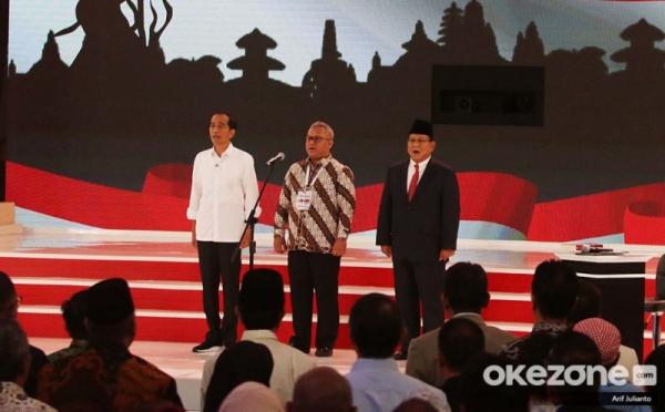 https: img-z.okeinfo.net content 2019 02 18 320 2019394 jokowi-apresiasi-petani-jagung-dan-padi-di-debat-pilpres-33XJiJsfPq.jpg
