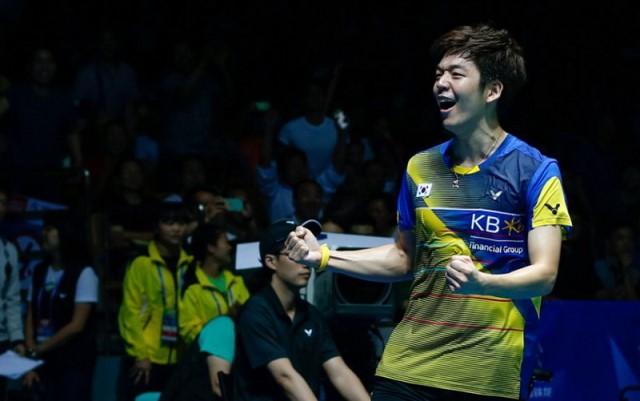https: img-z.okeinfo.net content 2019 02 18 40 2019833 jadi-tandem-fajar-alfian-di-superliga-badminton-2019-begini-komentar-lee-yong-dae-L0LY3YlSBT.jpg