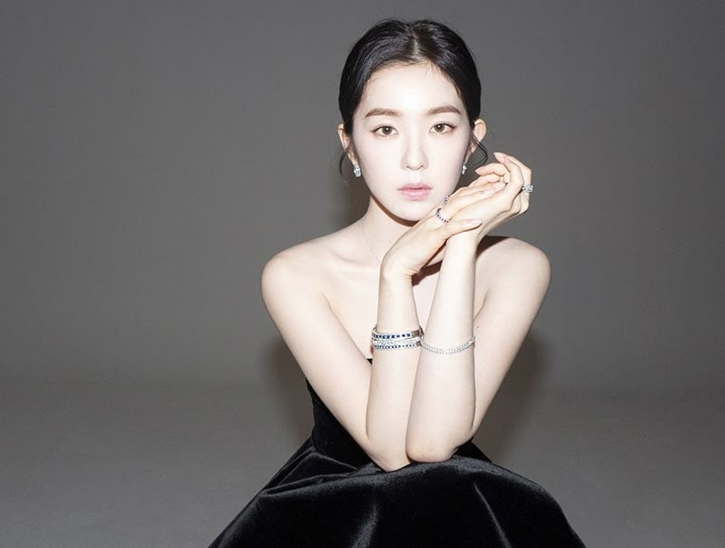 https: img-z.okeinfo.net content 2019 02 20 194 2020661 irene-red-velvet-jadi-model-asia-pertama-untuk-lini-perhiasan-mewah-italia-4b62exCSQX.jpg