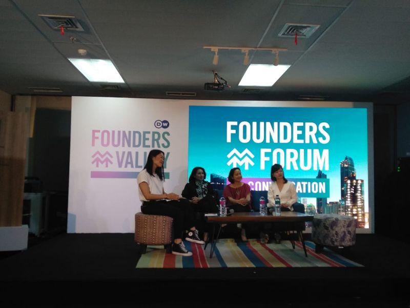 https: img-z.okeinfo.net content 2019 02 21 207 2021229 mnc-play-mnc-vision-dan-dw-dorong-perkembangan-wirausaha-wanita-indonesia-melalui-founders-forum-BHYMSgDPZ4.jpg