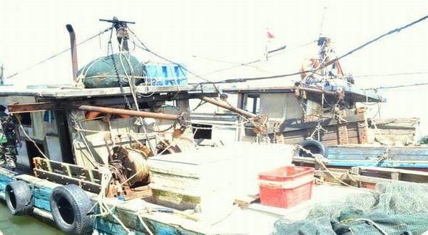 https: img-z.okeinfo.net content 2019 02 25 337 2022682 pemerintah-tangkap-4-kapal-vietnam-pencuri-ikan-di-laut-natuna-menteri-susi-geregetan-Zx5WDlOtt8.jpg