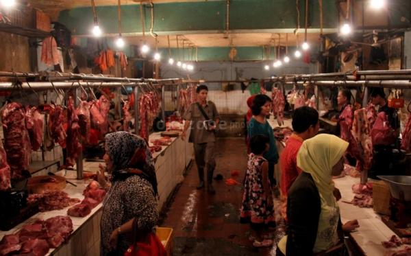 https: img-z.okeinfo.net content 2019 02 26 320 2023002 konsumsi-daging-sapi-terinfeksi-bisa-bikin-badan-demam-J1B7aFFiqv.jpg