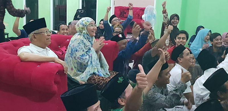 https: img-z.okeinfo.net content 2019 02 26 337 2023234 jadi-juara-aff-u-22-kh-ma-ruf-amin-selamat-timnas-indonesia-dxLUdNgLNU.jpg