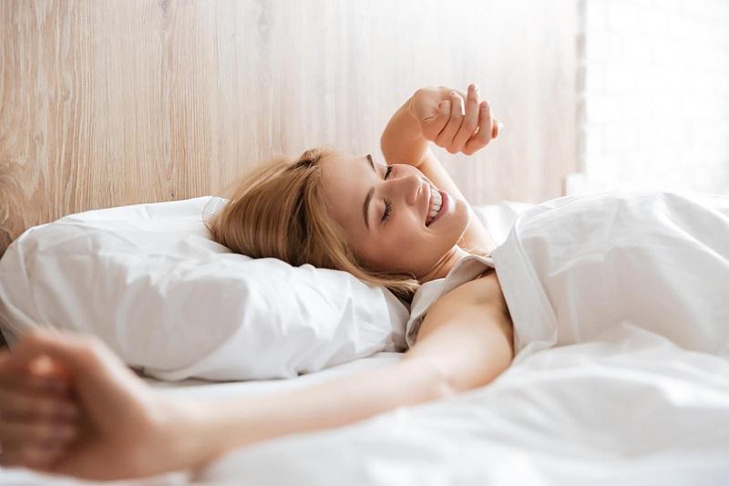 https: img-z.okeinfo.net content 2019 02 27 481 2023675 jangan-asal-ini-4-cara-yang-tepat-bangun-dari-tempat-tidur-1RlQqnLiMo.jpg