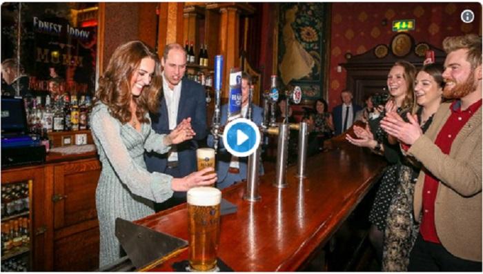https: img-z.okeinfo.net content 2019 03 01 298 2024674 kunjungi-pub-di-irlandia-lihat-aksi-kate-middleton-jadi-penyaji-minuman-bir-cxuFlIhwLI.jpg