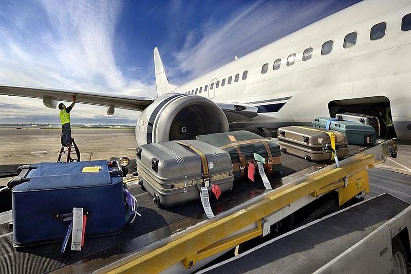 https: img-z.okeinfo.net content 2019 03 01 320 2024452 bagasi-berbayar-turunkan-jumlah-penumpang-pesawat-hingga-16-07-DUSVaVeJpt.jpg