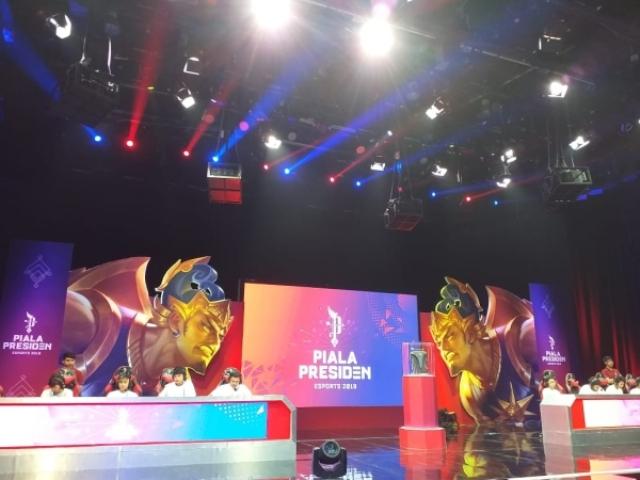 https: img-z.okeinfo.net content 2019 03 02 326 2024982 piala-presiden-esports-2019-cetak-juara-regional-pontianak-PyS8fQO3Lb.jpg